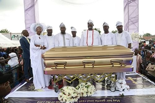 Melaye and his siblings during the burial
