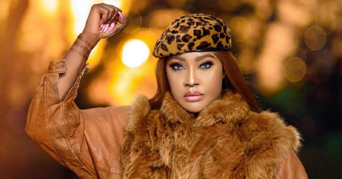 Fans Crucify Angela Okorie For Going Semi-Nude
