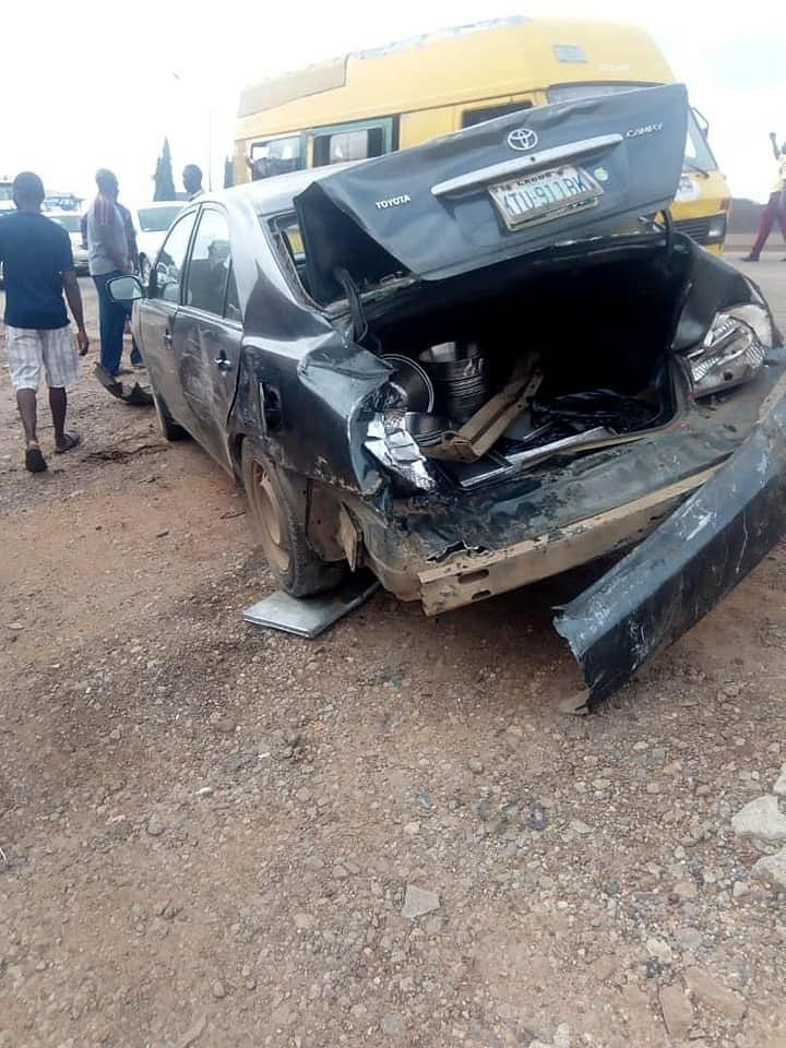 Over 25 persons escaped death in a road accident that involved seven vehicles at Obadeyi bus stop,at Ijaiye-Ojokoro Local Council Development Area of Lagos,