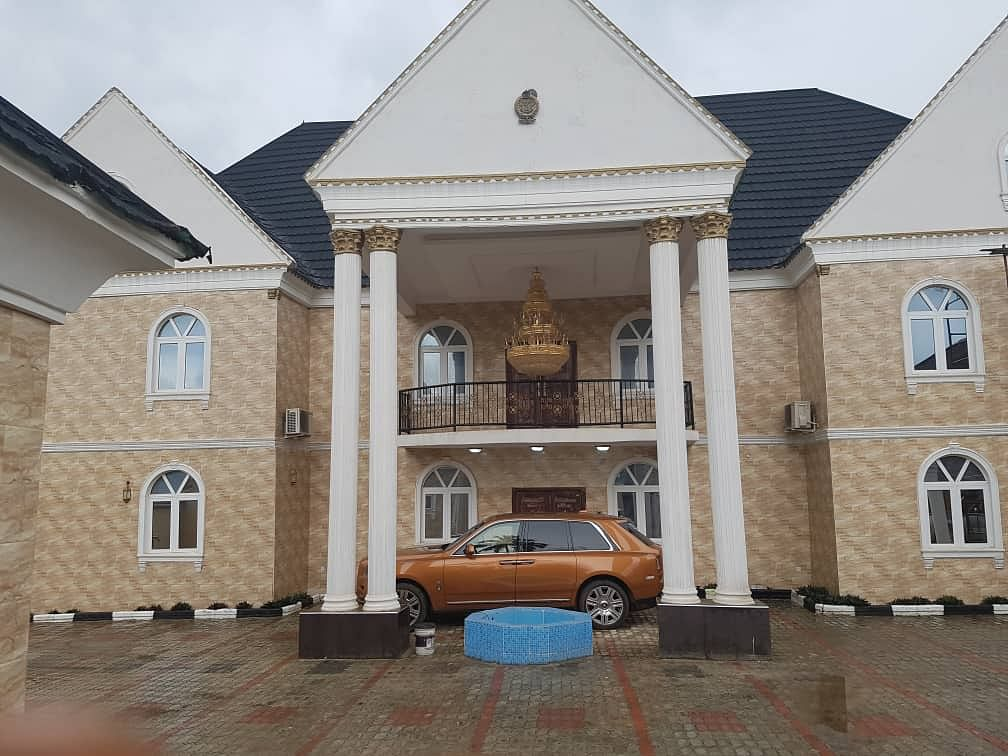 Aare Oonkankanfo Of Owu, Akin-Olugbade, Opens Luxurious Palace In Abeokuta