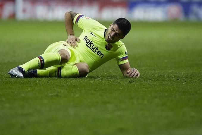 Luis Suarez injured in the La Liga opener against Bilbao