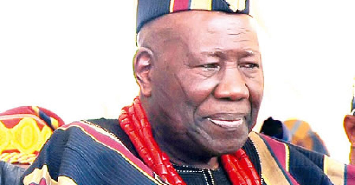See Why 21 Obas Prostrated Before The Olubadan On His 91st birthday