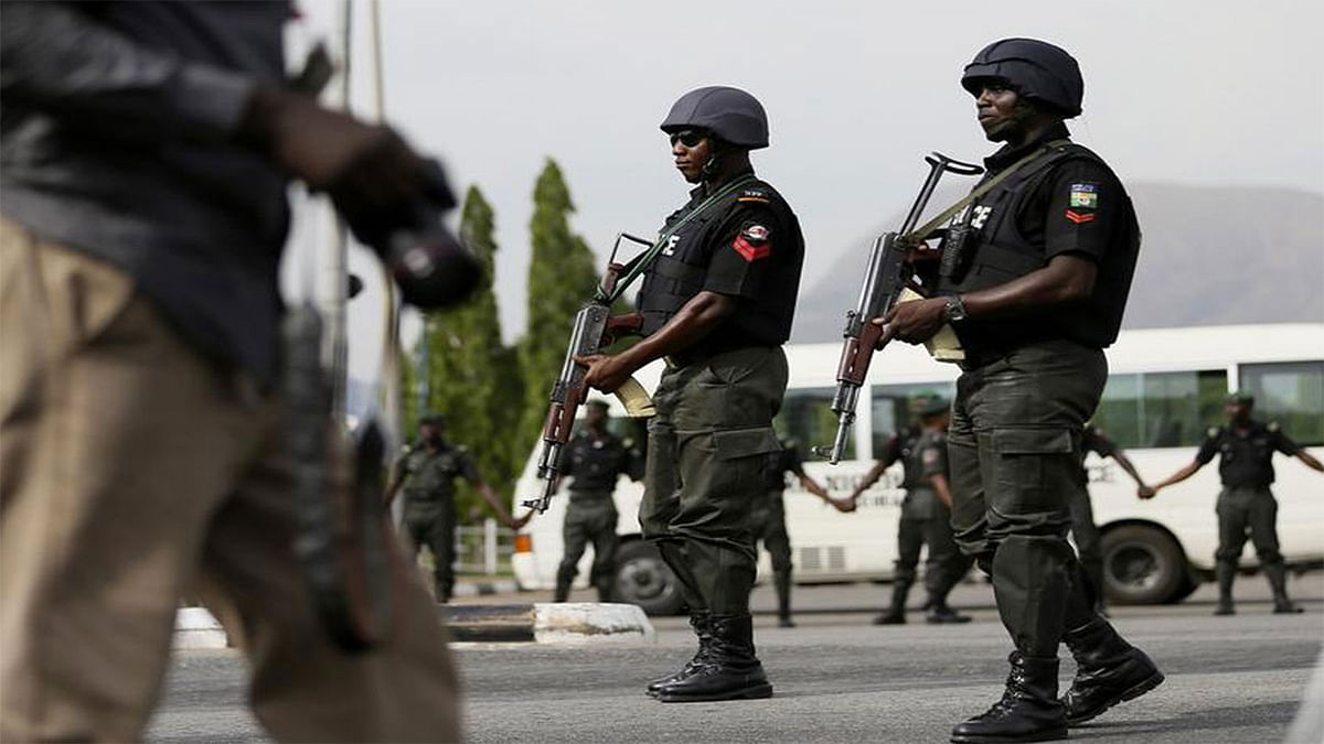 Mob Kills Police ASP Who Shot Pregnant Woman Dead In Lagos