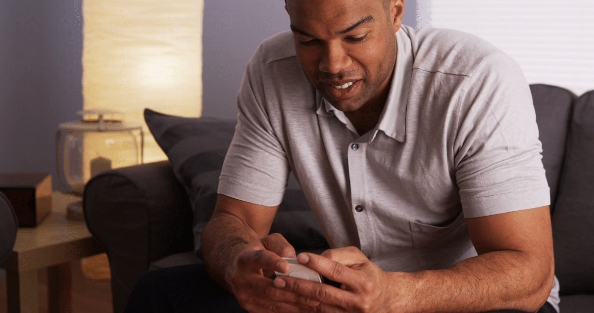 4 Texting Mistakes Men Make