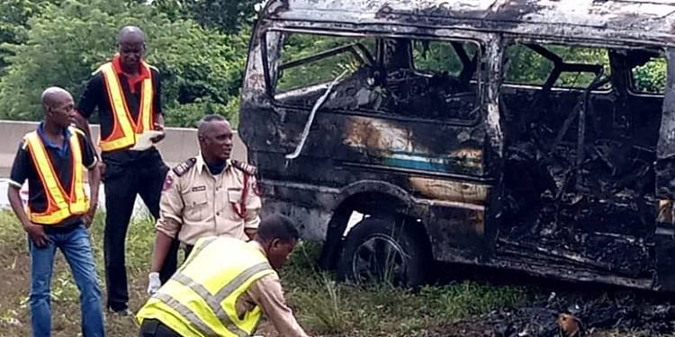 Five Dead and Ten Injured As Bus Bursts Into Flames On Expressway