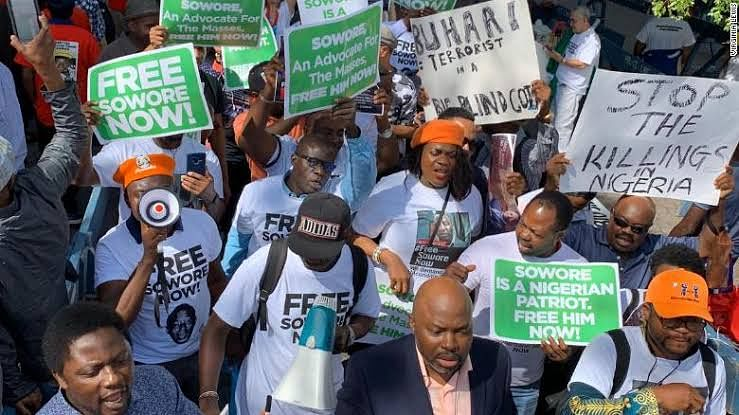 Omoyele Sowore's Wife Leads Protesters To UN
