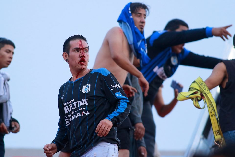 Mass Fan Clash Sees San Luis Vs Queretaro Game Suspended In Mexico (Video)