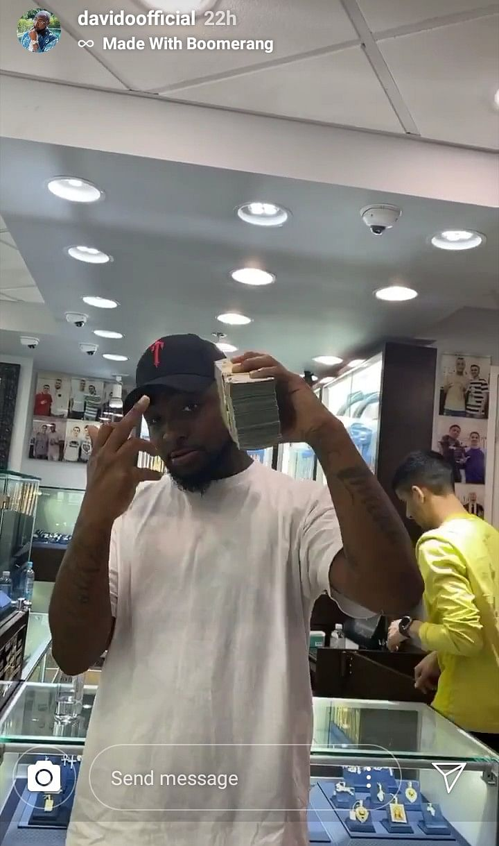 Davido Deposits Over N36 Million To Purchase Jewellery For His 30BG Members (Photo)
