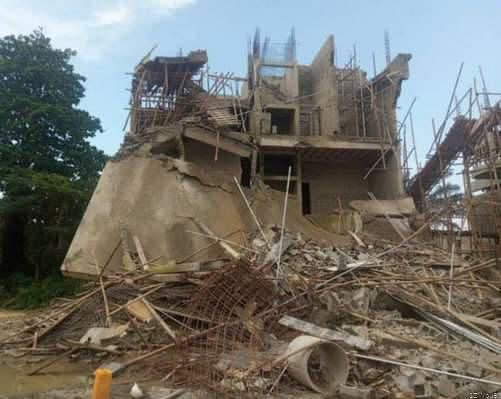 LASEMA Pulls Down Four Buildings In Lagos