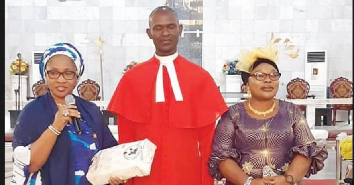 Lagos State Holds Service In Honour Of Reverend Sacked By Ambode's Wife