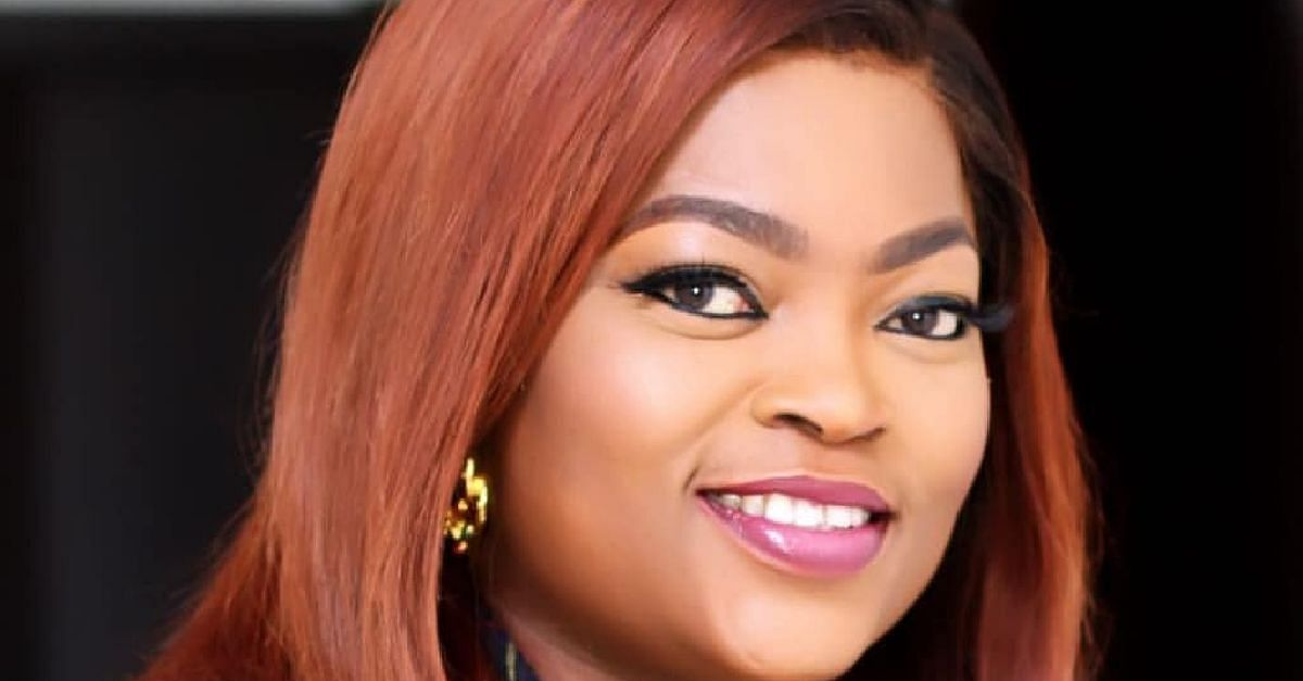 Toni Tones Lashes Out At Fan Who Asked Her To Smile More In Photos