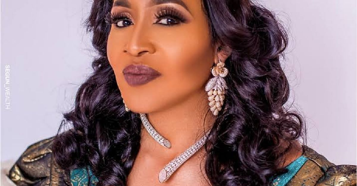 Dr Kemi Olunloyo Weighs In On Peruzzi-King Patrick Saga