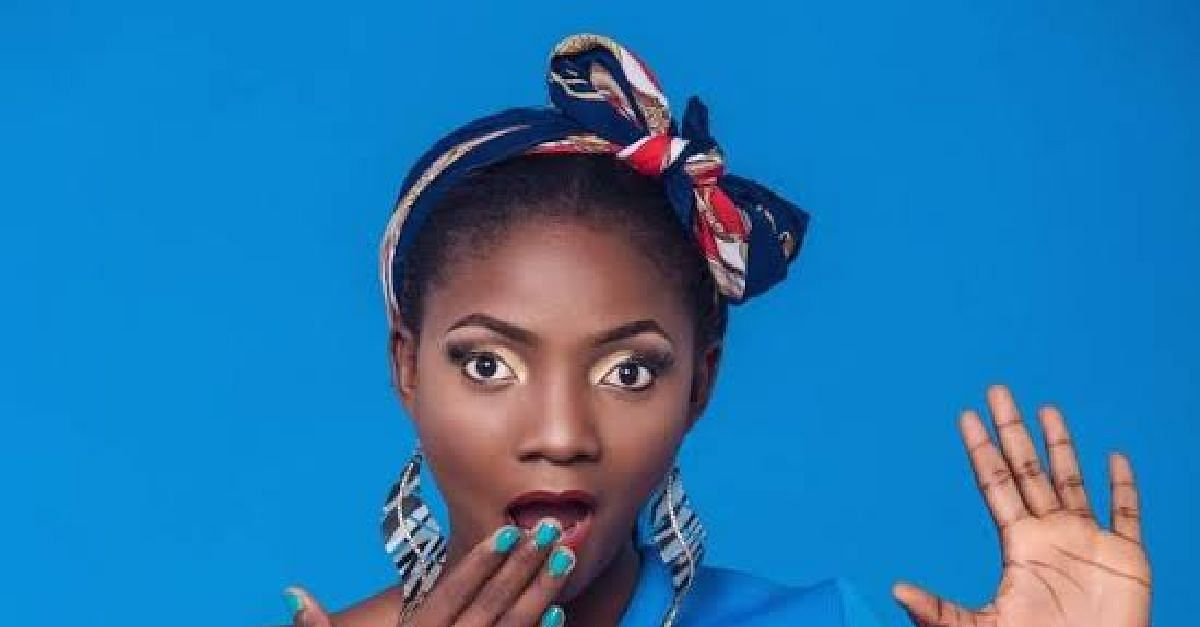 Simi Recounts How She Kept Her Relationship With Adekunle Gold Secret