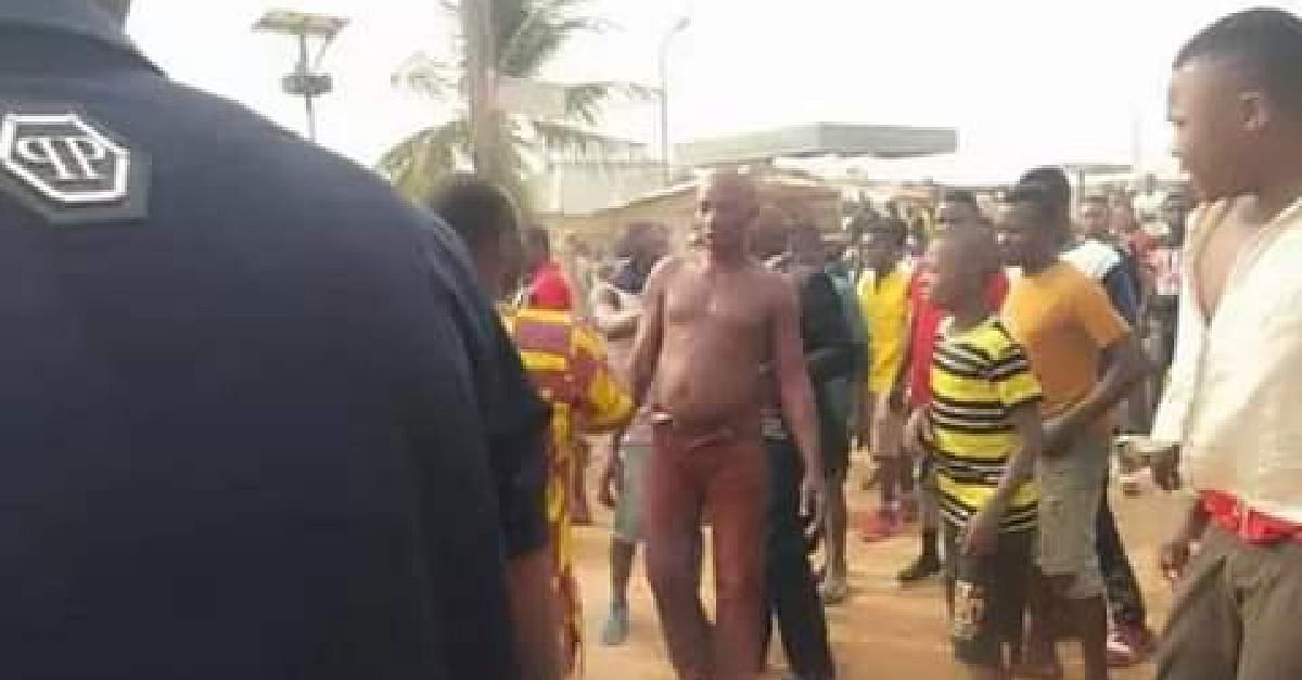 Notorious Robber Set Ablaze In Benue By Angry Mob
