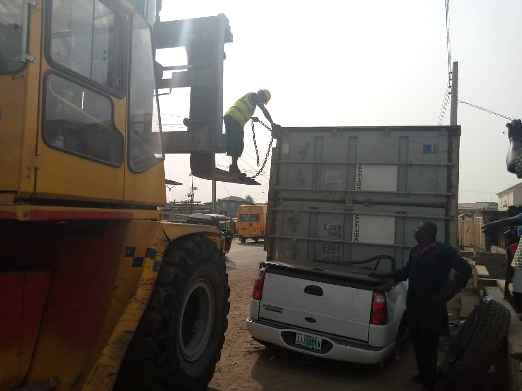 Container Crushes Ford Explorer At Ejigbo, Lagos