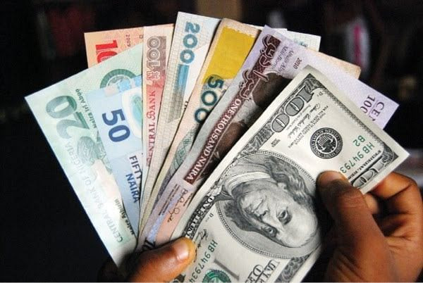 Naira Value Crashes, Dollar Sells For N420