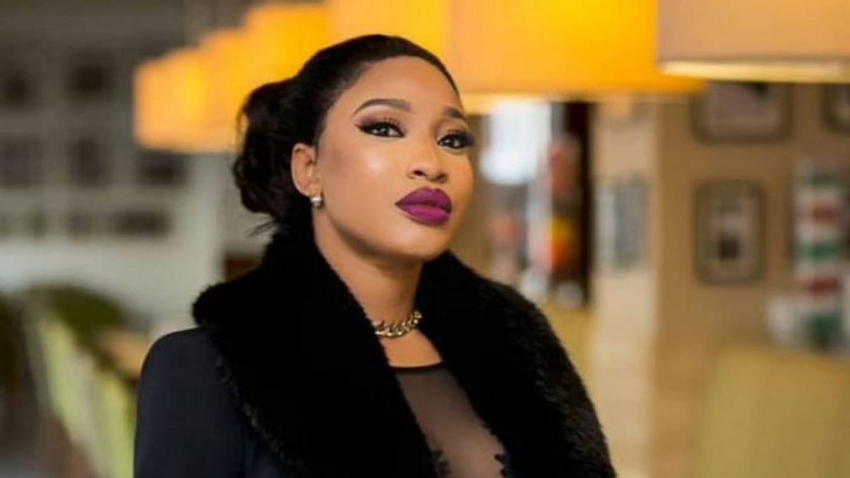 Tonto Dikeh Shows Off New Bentley In #PostandDelete Photo