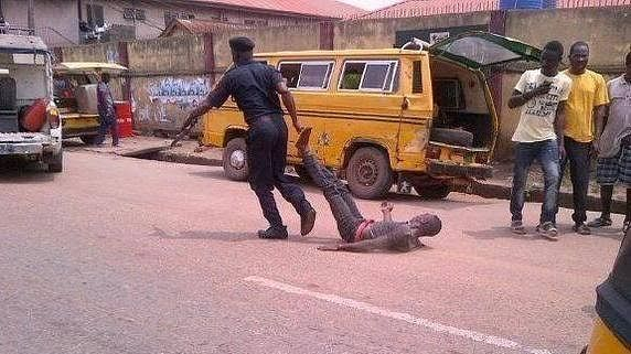 Surviving The Nigerian Police: 3 Ways To Avoid Police Brutality In Lagos
