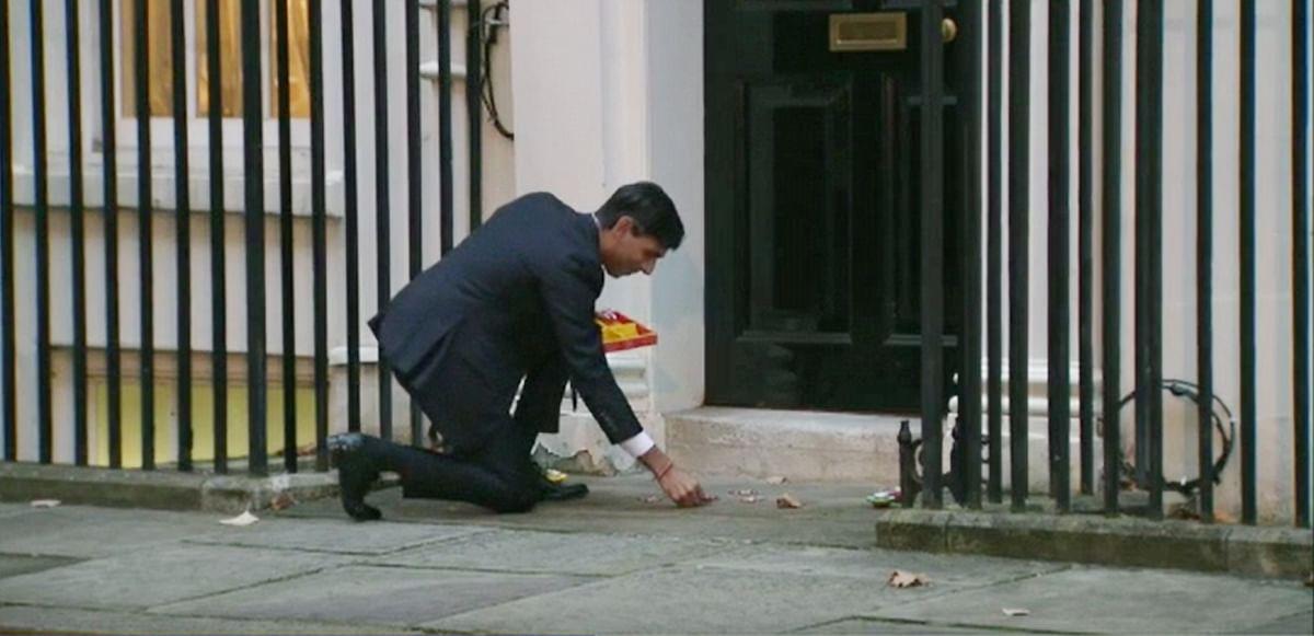 Rishi Sunak makes No. 11 Downing Street history with Diwali diyas, rangoli