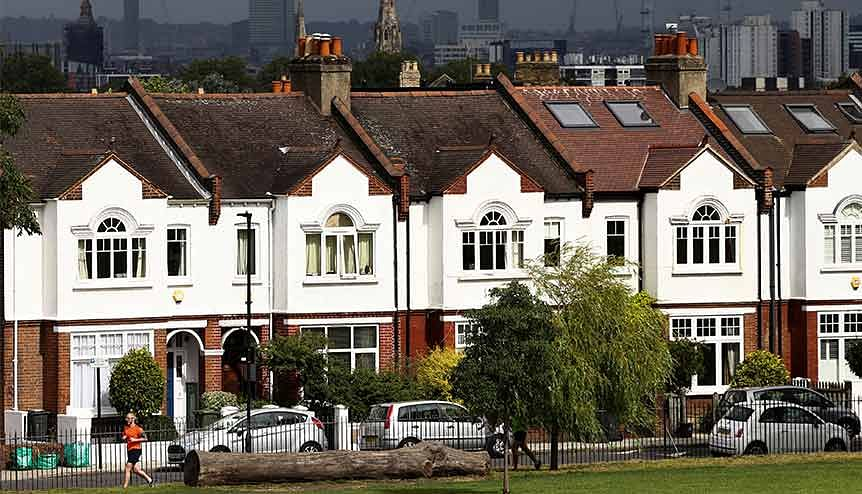 'Berserk' UK house prices rise at fastest rate since 2004