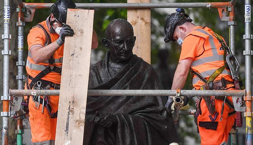 Gandhi has nothing to hide: Diaspora hits back