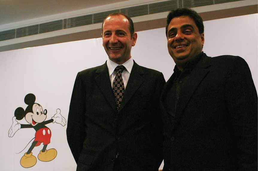 Andy Bird, President, Walt Disney International and Ronnie Screwvala of UTV announce Walt Disney Co.'s acquisition of Hungama TV and a strategic stake in UTV Software Communications.