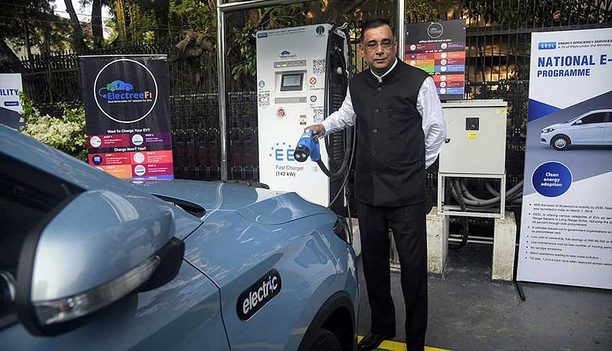 Minister of State and MP Raj Kumar Singh inaugurates EV charging plaza. The target of 100 percent EV's by 2030 set by the Indian government is ambitious and inspiring.