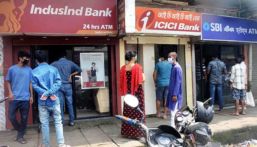 Billions at stake, Modi govt must find a middle path to resolve this banking crisis