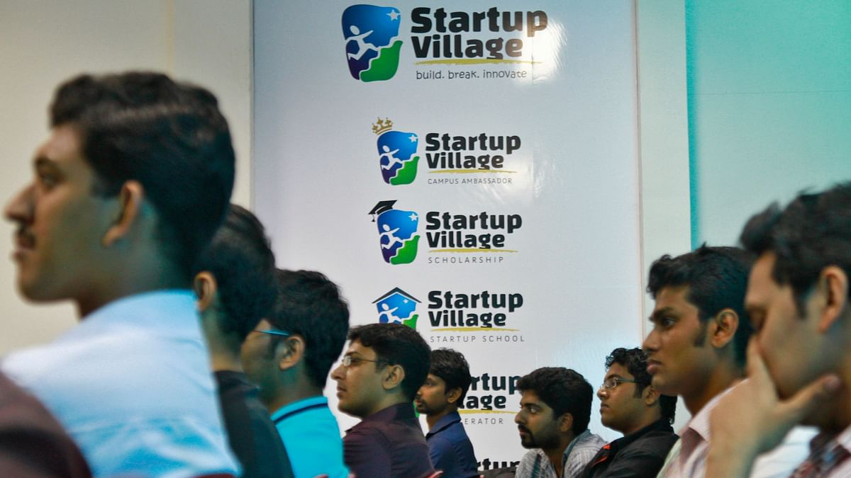 Entrepreneurs, employees and students listen to a speech during the start-up Saturday event. The world is fraught with people who pretend to be angel investors but are not actually so—they look for start-ups that they can jump on board with, either as an employee or consultant.