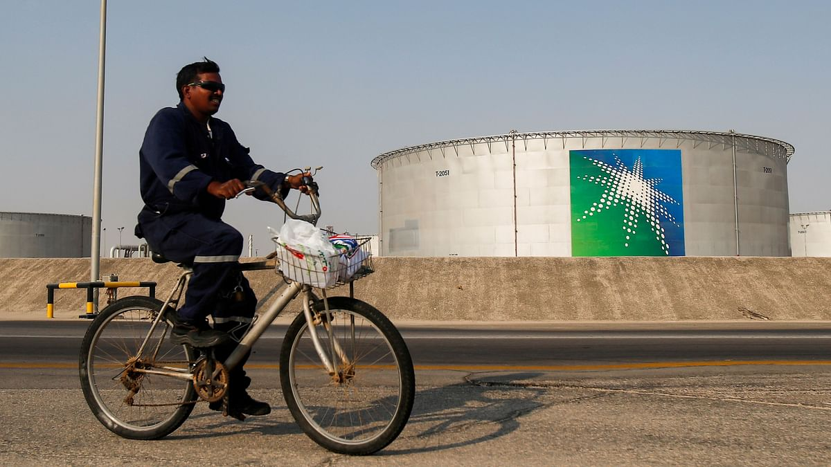 India keeps its options open on oil imports