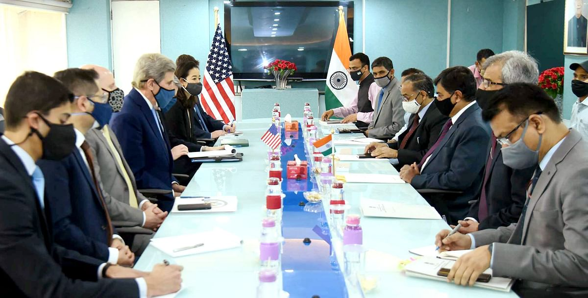 Working on a future blueprint. Minister of State for Power, New & Renewable Energy (Independent Charge) and Skill Development & Entrepreneurship, Raj Kumar Singh in a meeting with the US Special Presidential Envoy for Climate, John Kerry.
