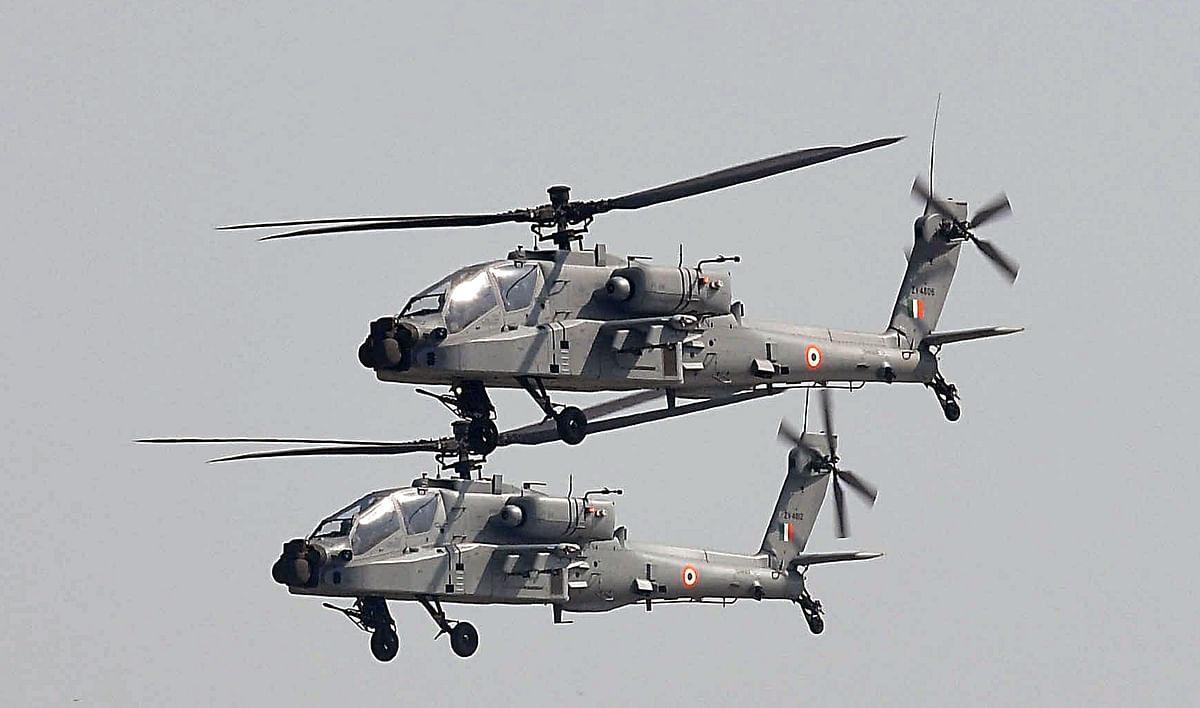 US manufactured Apache attack helicopters on exercise with the Indian Air Force. Despite reaching a common ground in defence the US and India still need to wade through their differences in the commercial sphere.