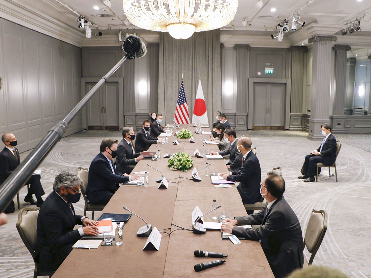 US Secretary of State Antony Blinken (3rd from front L) and Japanese Foreign Minister Toshimitsu Motegi (3rd from front R) hold talks in London to discuss issues related to China and North Korea.