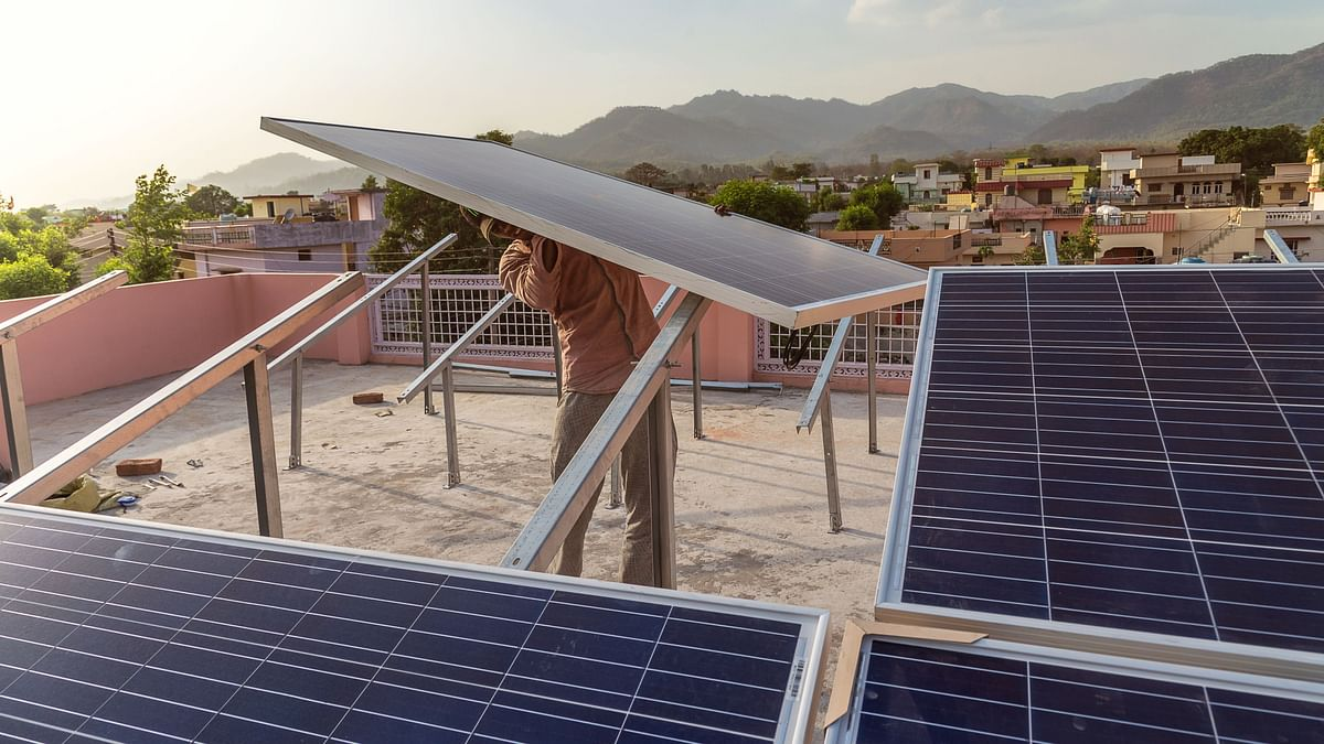 India's solar market is on the rise, booming big investment opportunities