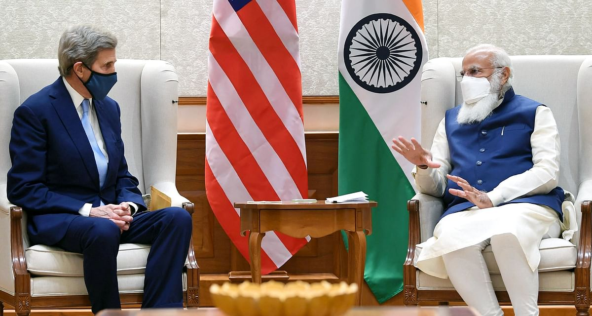 John Kerry discusses climate finance options with Indian PM Narendra Modi. The US and India have set some ambitious targets on climate action and clean energy.