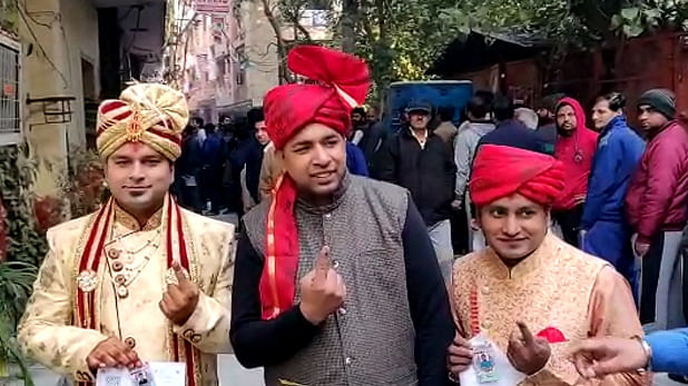 Groom, his family dressed up in wedding attire cast vote in Delhi