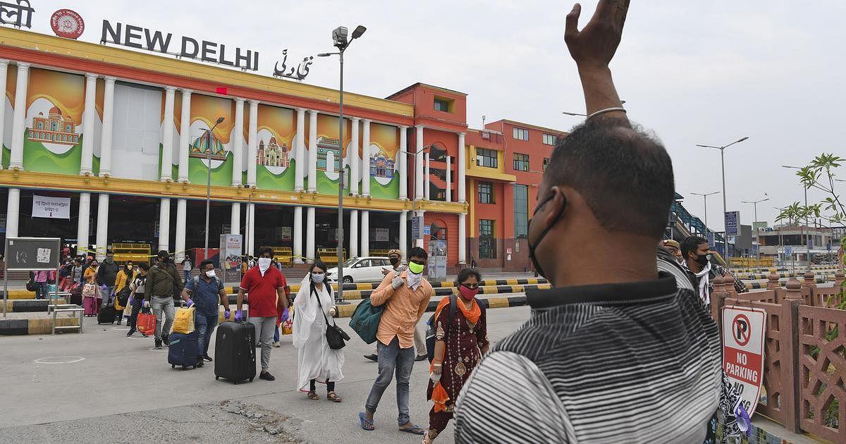 'Remove age limit for COVID vaccination': Kejriwal writes to PM Modi