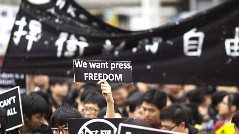 Hong Kong foreign press say journalists being for US-China standoff