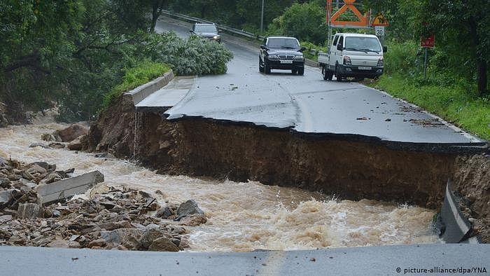 Heavy rains lash Kerala, Mumbai; 5 missing in Karnataka's Kodagu landslide