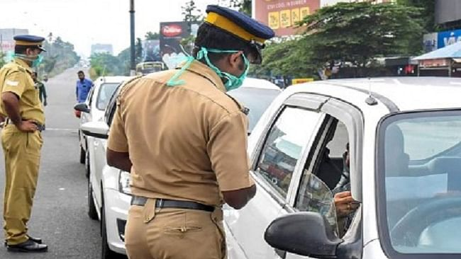 Alert travellers! You don't need to carry hard copies of driving licence, RC from today