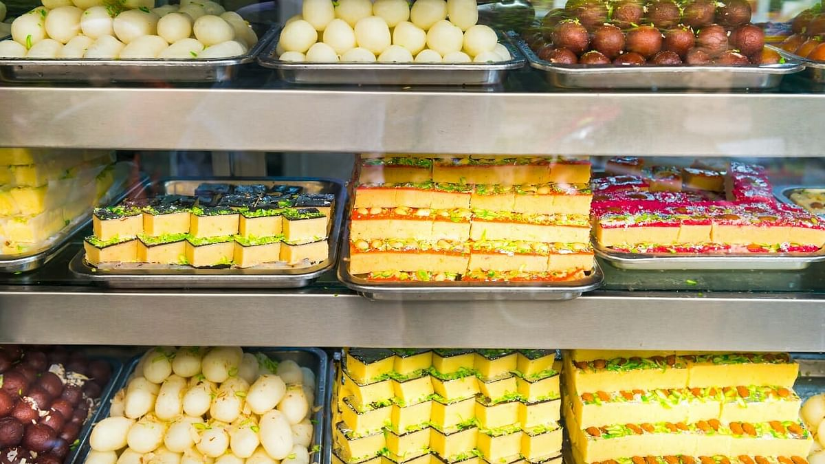 All non-packaged or loose sweets sold to carry a 'best before' date from today