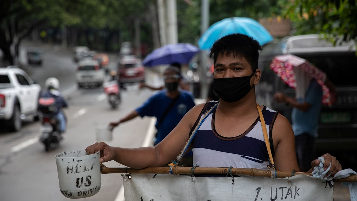 Philippines ends overseas travel ban on healthcare workers