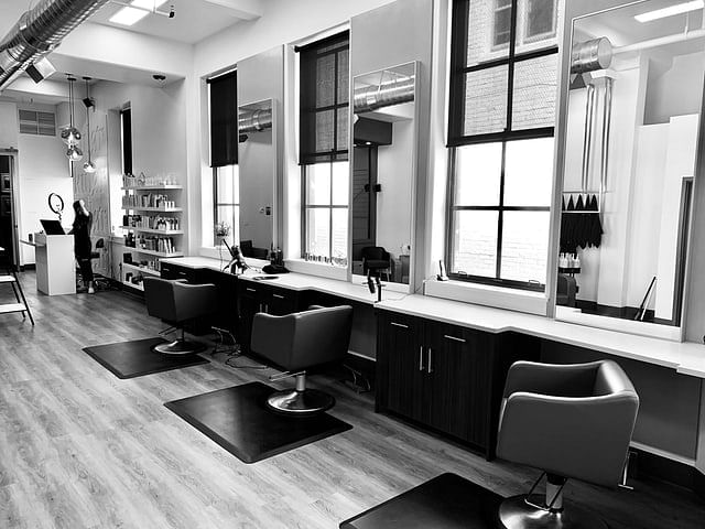 Bahrain: Salons to resume additional services from Sunday