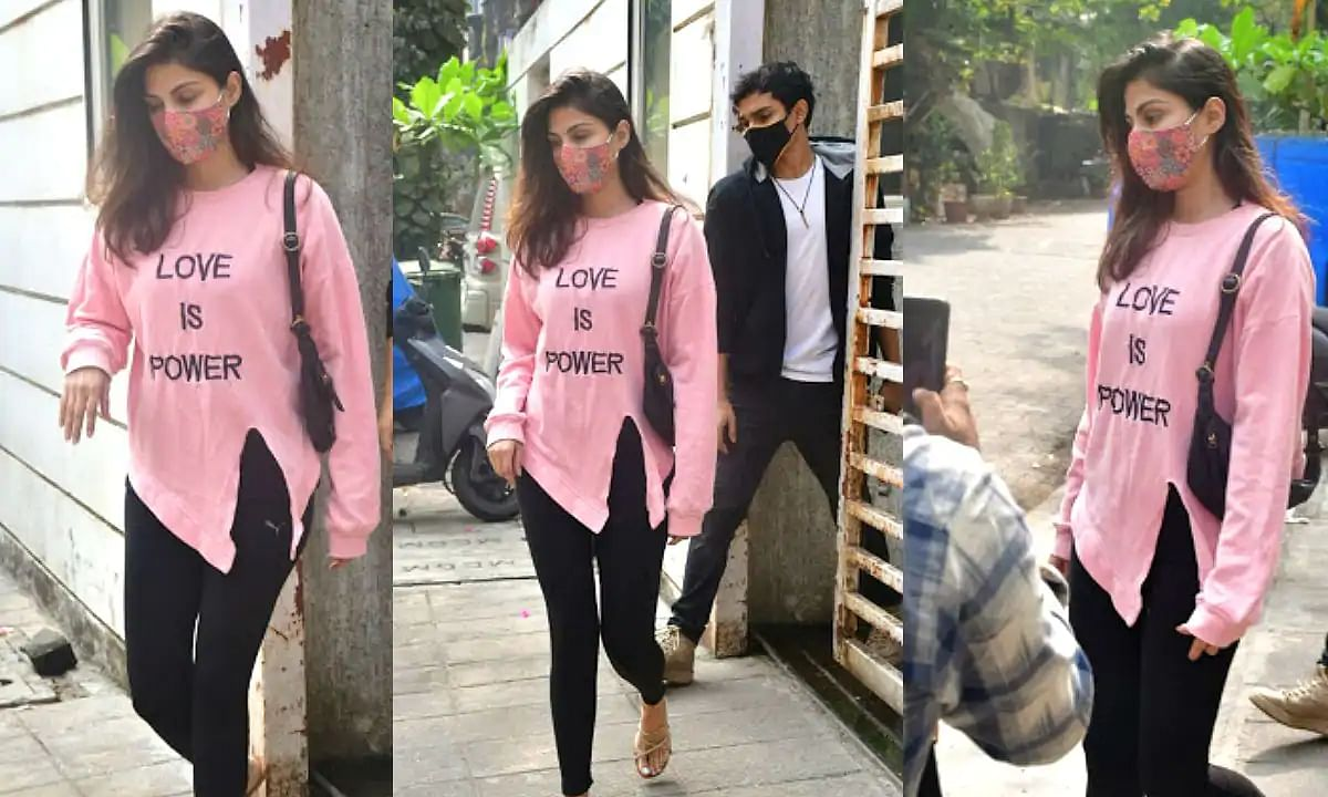 Rhea Chakraborty's sweatshirt reads 'Love is Power', another statement after 'Smash The Patriarchy'!