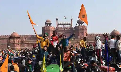 Why is Nishan Sahib flag important to protesting farmers?