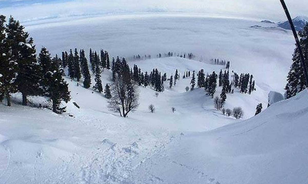 Fresh snowfall drapes areas of Kashmir in white; check out photos straight from the paradise