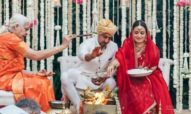Women priest solemnises wedding of Dia Mirza; actor thanks her