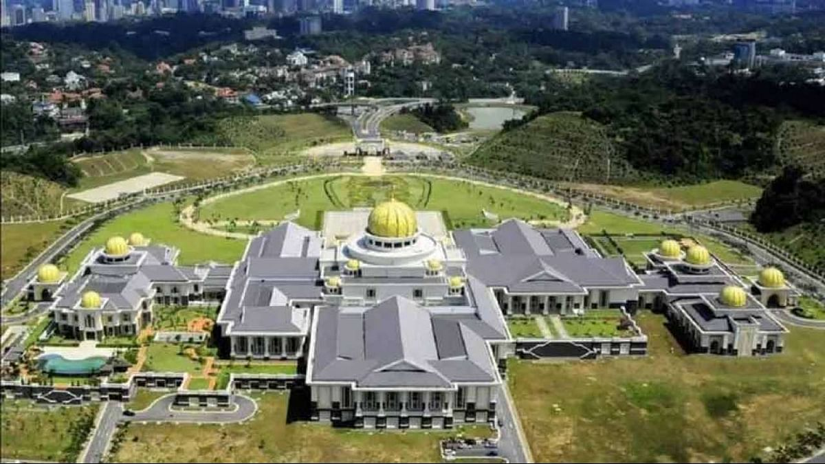Gold palace, 7000 luxury cars, gold-plated private jet: Inside photos of luxurious life of Sultan of Brunei
