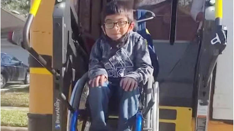 7-year-old-boy with cerebral palsy saves his family by crawling to warn them of gas leak at home