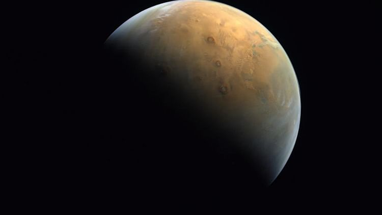 UAE publishes first photo of Hope Probe encircling Mars